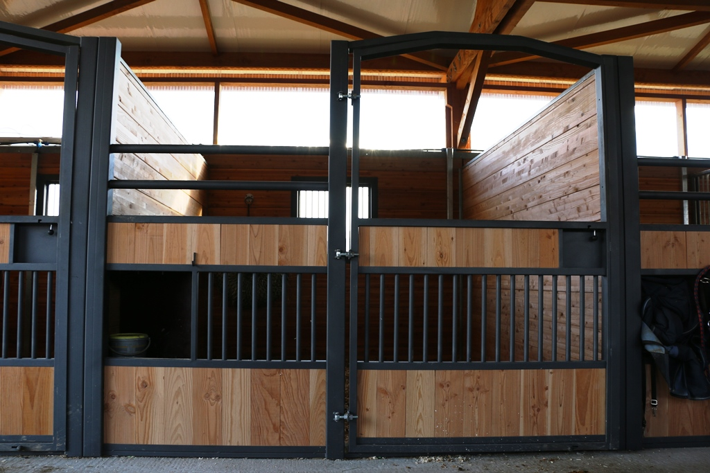 Closed GS stall door by Doitrand Equestre