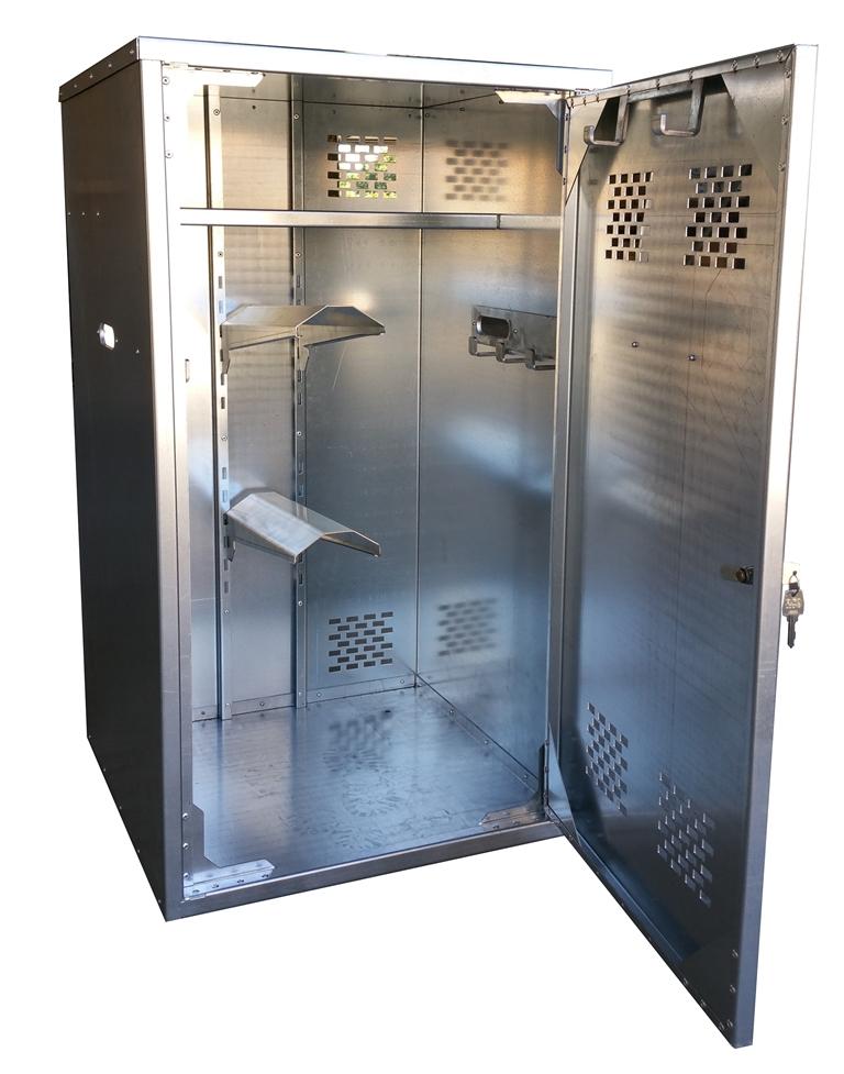 armoire de sellerie doitrand equestre. Black Bedroom Furniture Sets. Home Design Ideas
