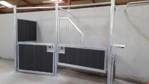 Stalle d'échographie pour juments (vue de côté)