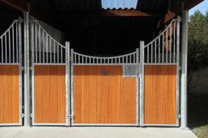 Façade de box pour chevaux modèle Zèbre en bambou